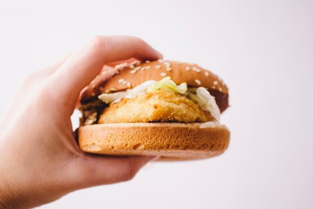 筋トレ後に食べたいマックのハンバーガー