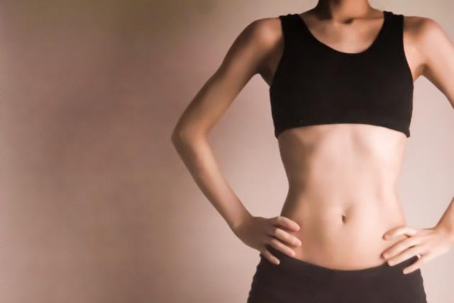 僧帽筋を筋トレで効率よく鍛えるのに適切な回数と重量