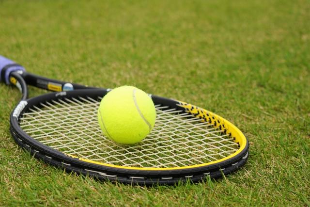 テニスや水泳の上達にオススメの腕の筋力トレーニング